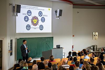 Die Fakultät Logistik der TU Berlin beteiligt sich seit Jahren mit einer Logistik-Vortragsreihe für Jedermann am Aktionstag.